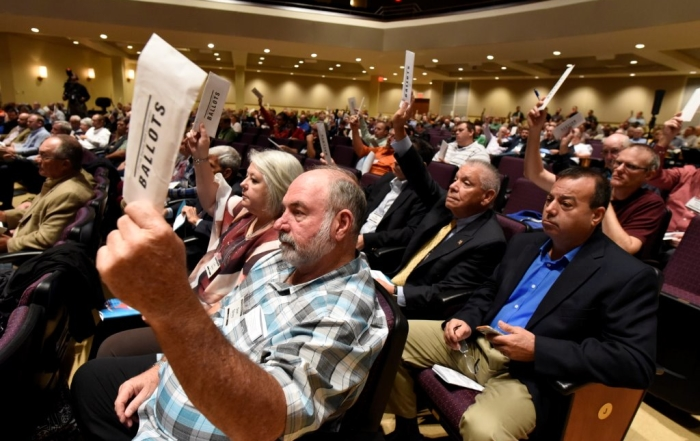 Messengers to the Florida Baptist State Convention take action.